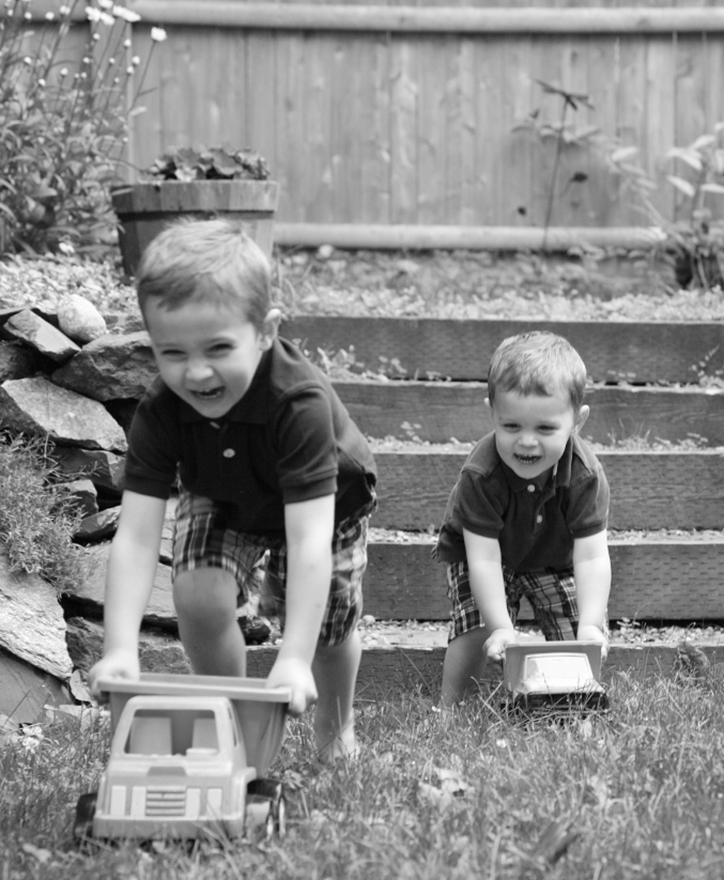 Ben and Owen, 4 and 2 years old